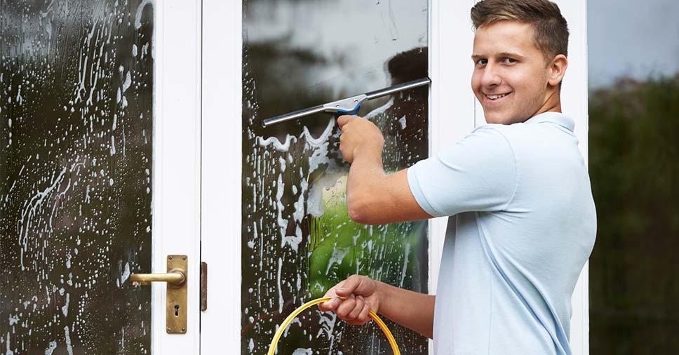 Como manter uma ótima rotina de limpeza em condomínios