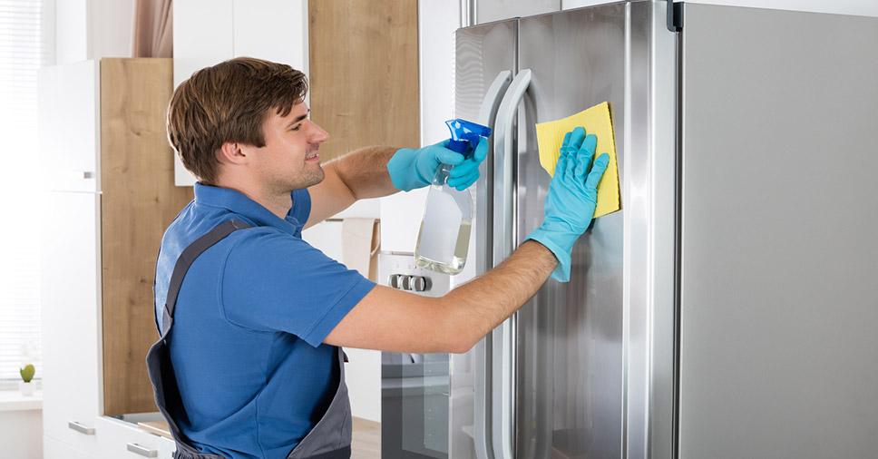 Diferentes serviços de limpeza: faxina, serviços gerais e diarista