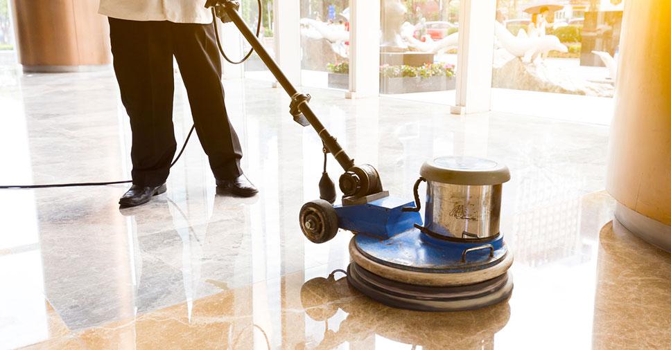Como limpar corretamente cada piso