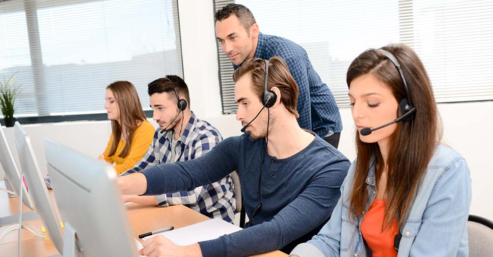 Veja como fazer um treinamento correto para telefonistas